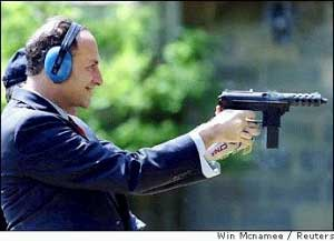 http://www.tonyrogers.com/humor/images/charles_schumer_shooting.jpg