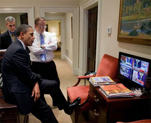 http://www.tonyrogers.com/humor/images/obamafeet/obama_feetonfurniture_14.jpg