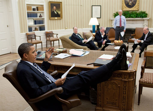 [Image: obama_feetonfurniture_5.jpg]