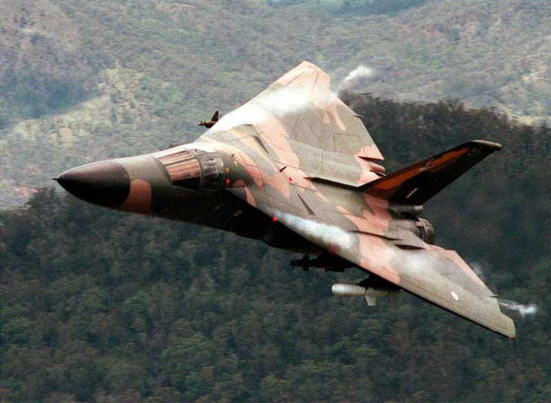 TonyRogers.com | F-111 Aardvark Fighter/Bomber