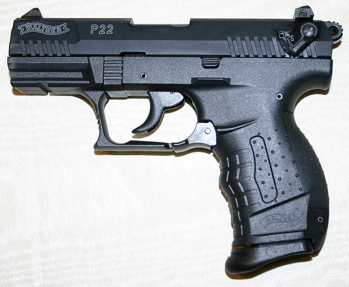 http://www.tonyrogers.com/weapons/images/walther_p22_left_1200px.jpg